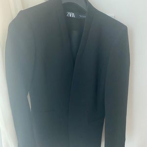 Zara blazer (barely worn) black